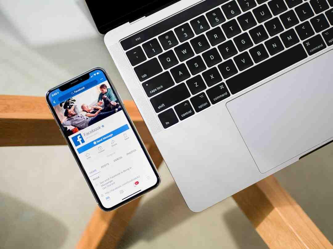 Pourquoi avoir deux comptes sur Facebook ?